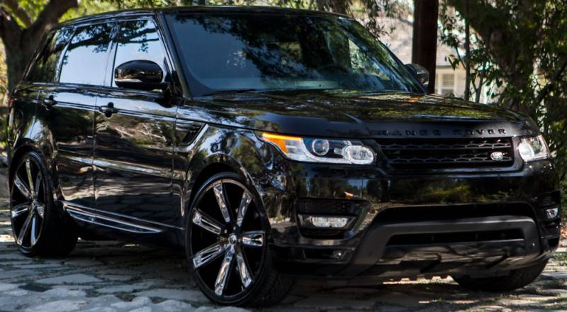 Diablo Rogue Black w/Chrome Inserts on Range Rover