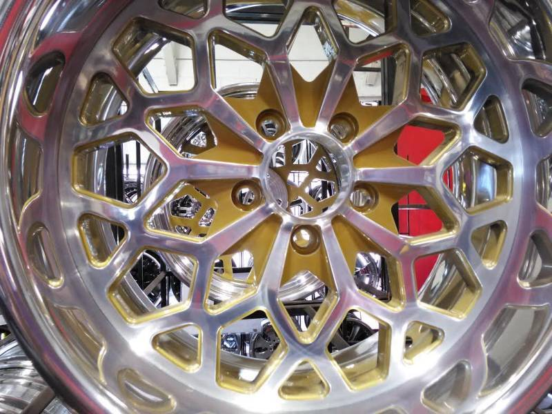 Pro Snowflake Polished Wheels with Gold Accent